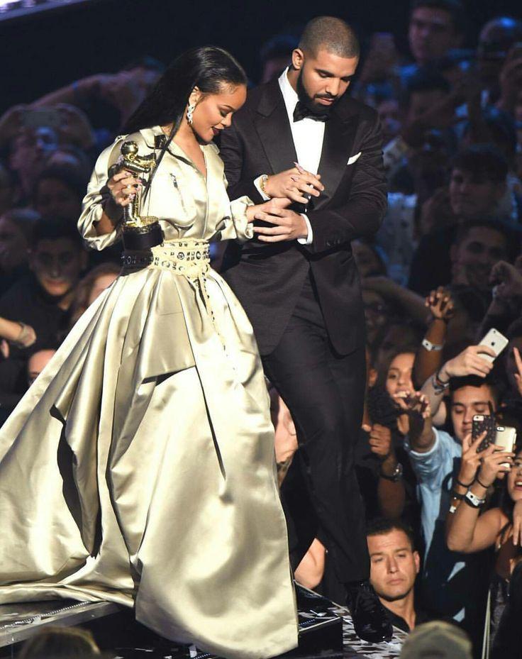 Rihanna and Drake VMA'S 2016
