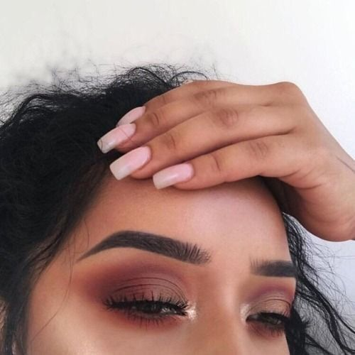 47 Sexy Eye Make Up sucht nach braunen Augen, um den Augen etwas ernsthaften Pop zu verleihen