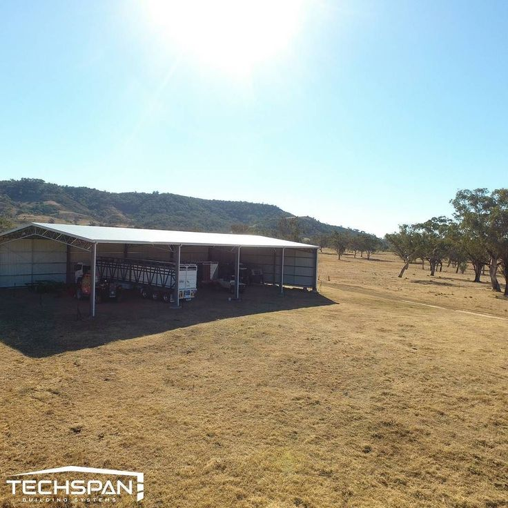 Machinery shed on a farm at Horton Valley NSW #hortonvalley #hortonvalleynsw #farmshed  #industrialshed #commercialrealestate #commercialproperty #farmlife #farms #farming #farmers #rural #machineryshed #nsw #techspanbuildings #farm #agriculture #farmer #countrylife #countryliving #countryside #country #johndeere #tractorlife