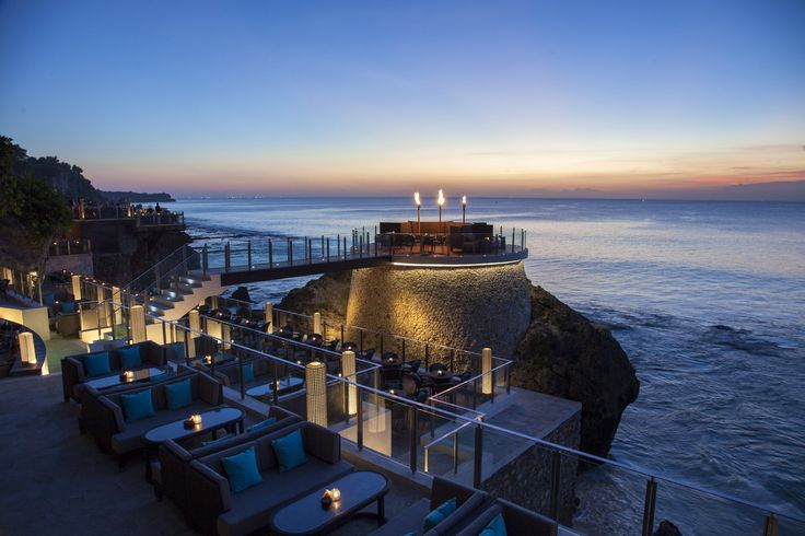 Rock Bar's highly anticipated expansion invites up to 750 guests to enjoy the scene, with the truly VIP Round Deck welcoming 18 lucky guests to revel in architectural wonder surrounded by rolling ocean waves.