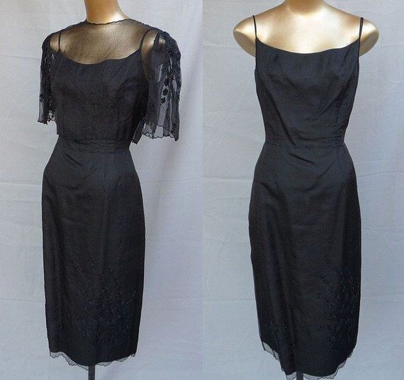 Un preferito personale dal mio negozio Etsy https://www.etsy.com/it/listing/465210805/vintage-1950s-black-silk-and-organza