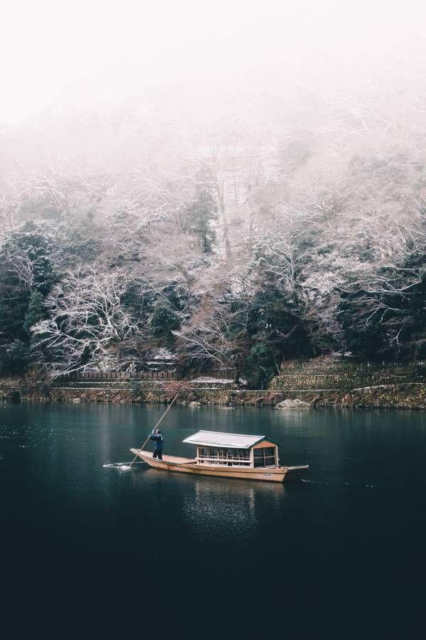スレッド「冬の寒い日の京都で撮影した小舟の様子」より。