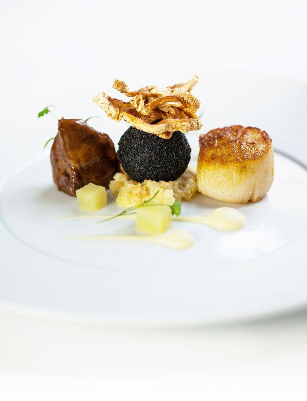 SCALLOPS, PORK CHEEK, BLACK PUDDING, CELERIAC AND APPLE recipe by professional chef Steve Groves