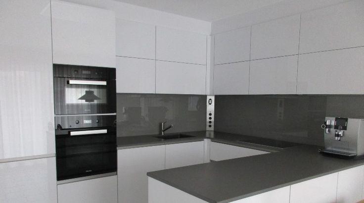 10 best sherry oak hacker images on pinterest oak kitchens real wood and kitchen doors. Black Bedroom Furniture Sets. Home Design Ideas