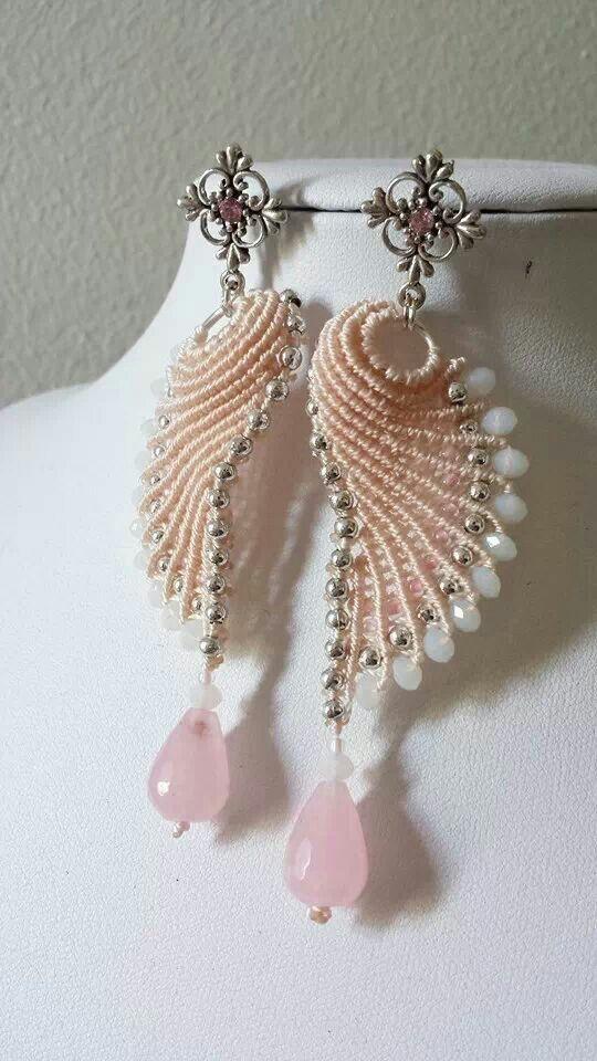 Wow! SEASHELL earrings wire and fiber. http://www.marilynmooreswired.net/gallery.html