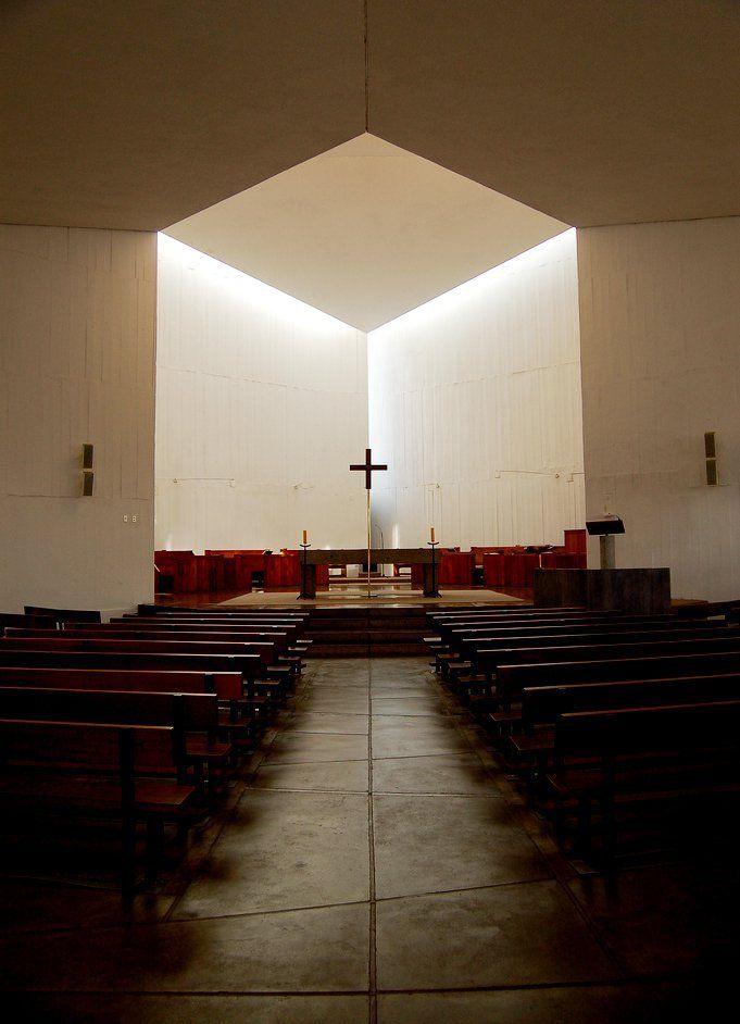 Galería de Clásicos de Arquitectura: Capilla del Monasterio Benedictino / Gabriel Guarda, Martín Correa - 29