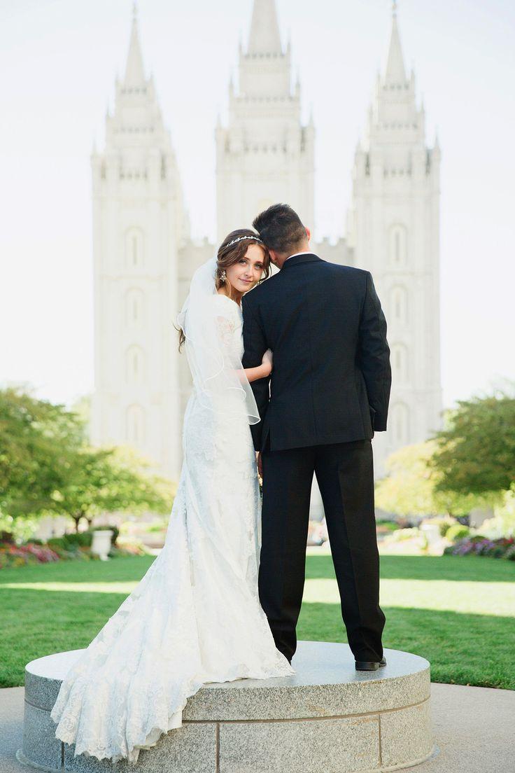 Salt Lake Temple Wedding. Utah Wedding Photographer. New York City Wedding Photographer. Thanksgiving Point Wedding. Stephanie Sunderland Photography. Pink wedding.