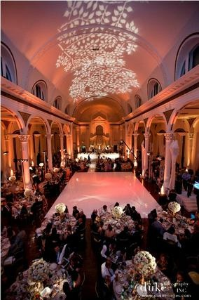 Roll out your red carpet at this Los Angeles wedding venue with a maximum capacity of 780. $6000
