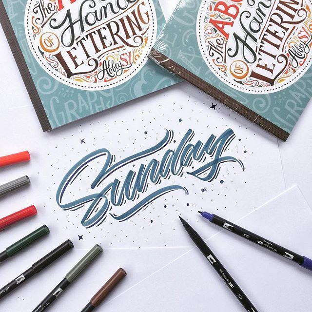 "WEBSTA @ meegggii - Happy sundaay. 🙌🙌🙌🙌 Yuk buat teman-teman yang sedang mempelajari teknik dasar handlettering/kaligrafi dan alat-alat yang di perlukan untuk menulis, kalian bisa mempelajari semua nya melalui buku "" The ABC Of Hand Lettering "" dari kak @abbeysy terbitan @penerbitharu . Di buku tersebut terdapat berbagai jenis font dasar dan alat-alat untuk menulis serta di padukan dengan penjelasan yang mudah untuk dipahami agar kalian lebih paham dan mengerti. Yang berminat dan…"