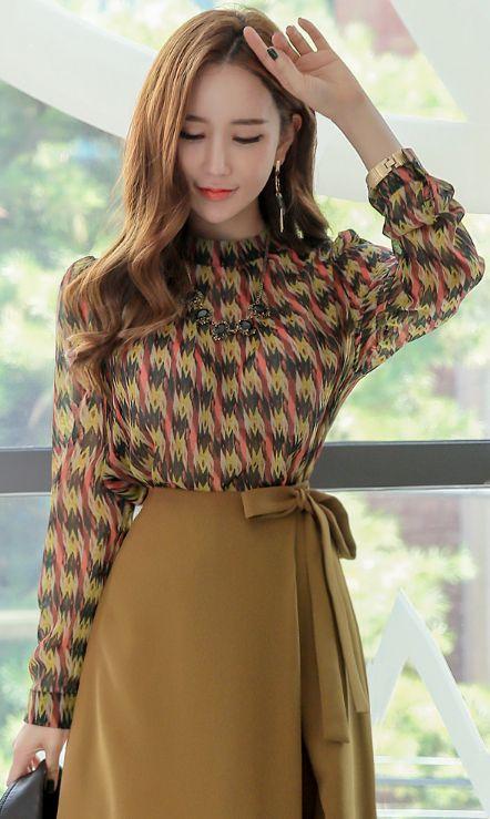 StyleOnme_Ethnic Color Print Long Sleeve Blouse #falltrend #koreanfashion #kstyle #kfashion #seoul #dailylook