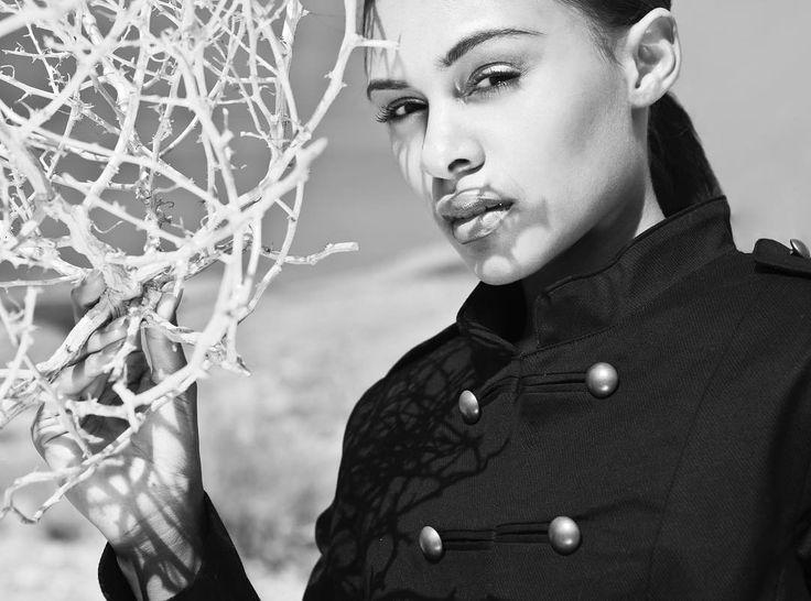 She has been to ANTM some yrs before. Still like the series from around las Vegas. #manuelthome #photographer #photography #photoshooting #lasvegas #model #female #styleblogger #fashion #desert #sedcard #hair #beauty #fotograf #blackandwhite #blackhair #leica #ilford #gntm #cologne #köln #düsseldorf #hamburg #agency #advertisingagency http://tipsrazzi.com/ipost/1512627028996685660/?code=BT97kTFAH9c