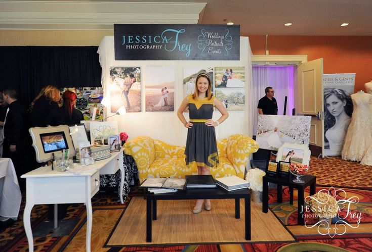 Jessica Frey Ultimate Bridal Show/ love the couch