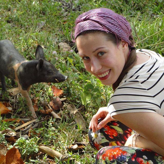 Look who I found while my horse ride in Vinales 😜🐷🐽🌴 #cuba #cuban #cubanlife #cubanstyle #friend #piggy #smile #podróże #horseriding #viñales #animallovers #wildlife #traveler #travelvibes #throwback #traveler #polishgirl #aroundtheworld #polskadziewczyna #podróże #happy #travelblog #travelblogger #instatravel #travelphotography #wearetravelgirls #travelgirl #explore #nature #naturelovers