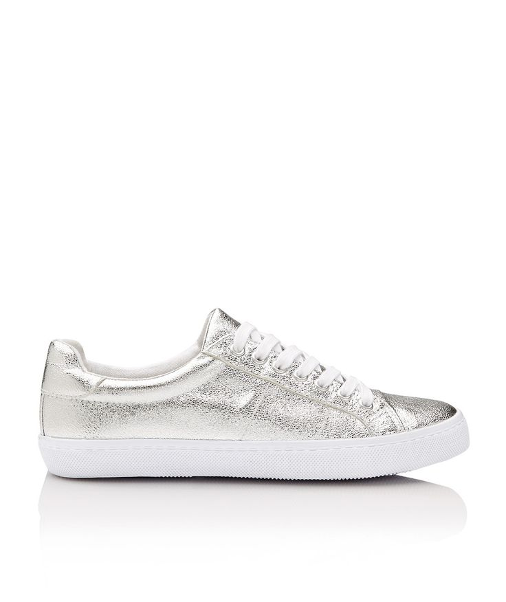 Update your shoe game with the Parker Metallic Sneaker. This classic sneaker features leather look finish, contrast laces and rubber sole.