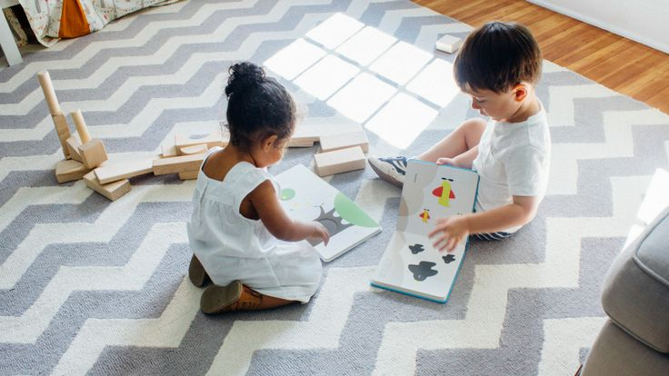 The best Montessori-inspired toys for your curious toddler.