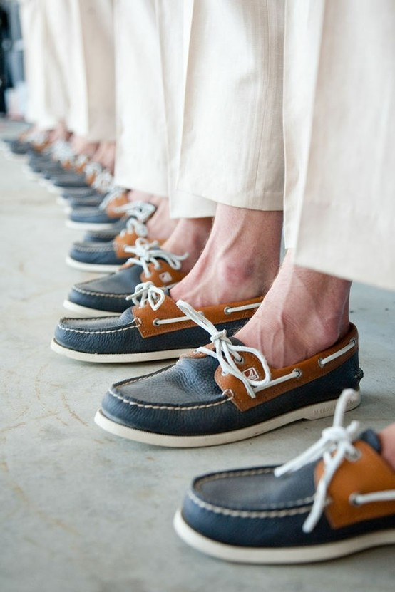 boat shoes for groomsmen but in light grey/navy