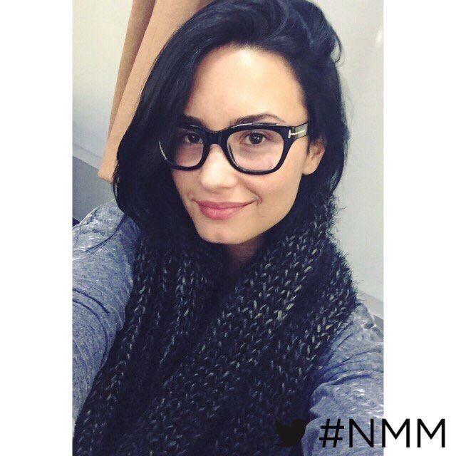 Demi's no make up Monday for 2nd November 2015