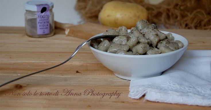 Gnocchi+di+patate+viola+alle+ortiche