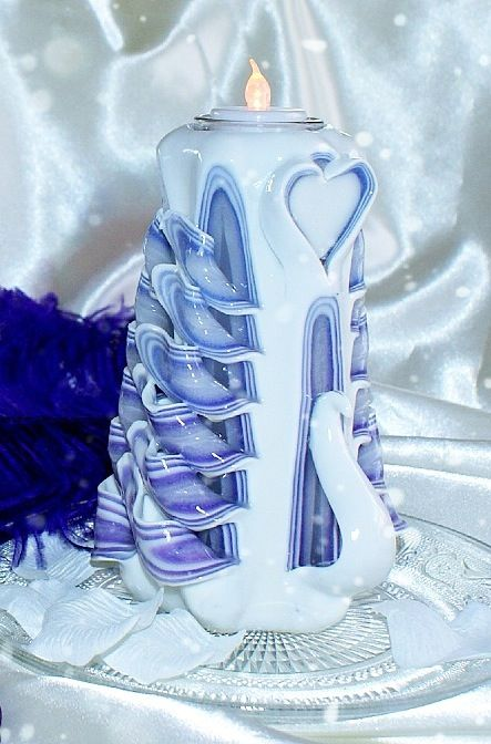hand craft candle, swan candle, choose your favourite colour. 15cm $39