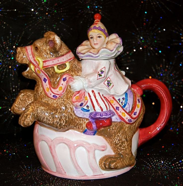 SCHMID CLOWN & BEAR PORCELAIN TEAPOT MUSIC BOX SIGNED YAMADA 1993 ECLECTIC COOL
