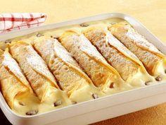 Dieses Gericht ist purer Genuss! Gebackene Vanillecreme-Crêpes   Zeit: 30 Min.   http://eatsmarter.de/rezepte/gebackene-vanillecreme-crepes
