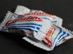 Scopriamo la ricetta galatine fatte in casa ovvero come fare gelatine alla frutta e al latte in casa ottenendo così le caramelle al sapore di latte o frutta