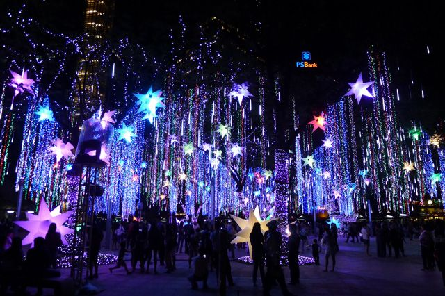 beautiful christmas lights | Go d grant you the light in Christmas which is faith ;