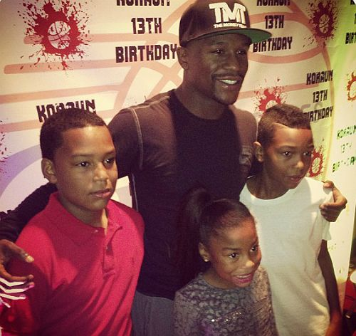 Photo of Floyd Mayweather & his  Son  Koraun Mayweather