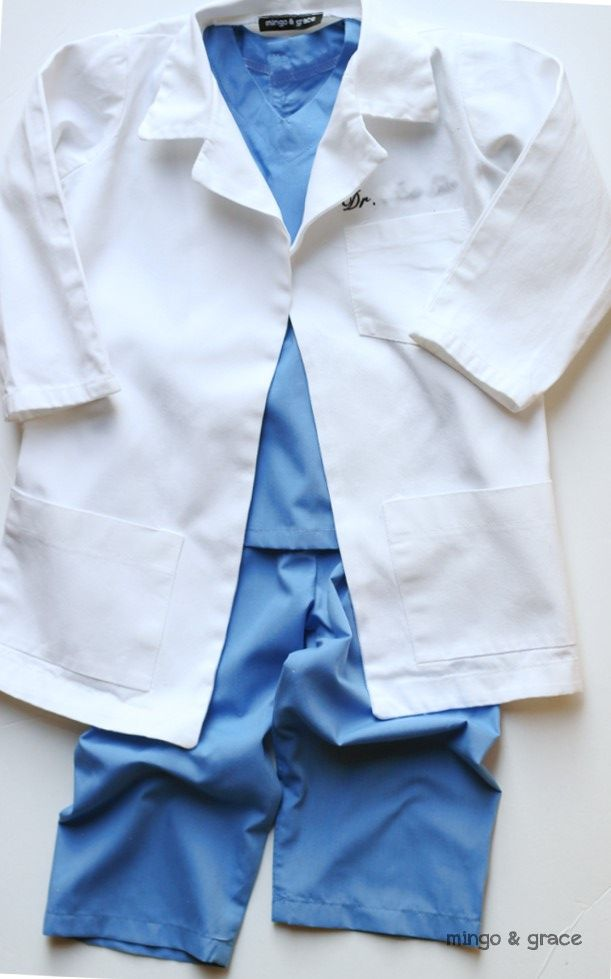 mingoandgrace.com | DIY Toddler Boy Doctor Costume