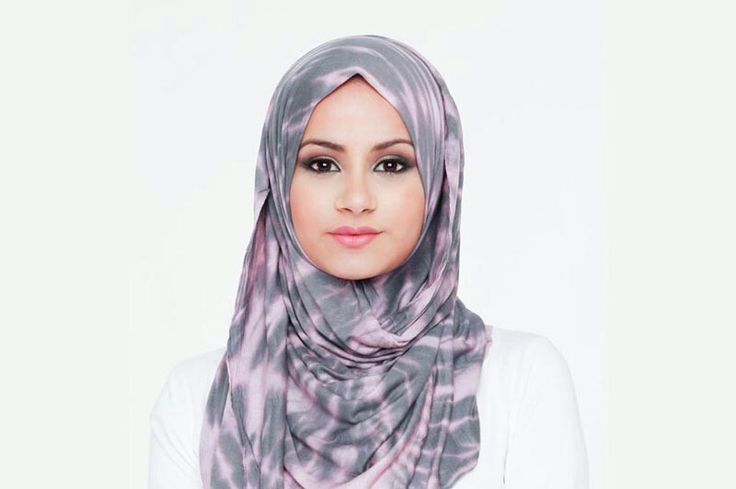 Gul-Rukh Khan, 20 years old from The Netherlands. View her full biography and vote her to be The World Muslimah 2014. http://tinyurl.com/wma2014-09071365 #nominee #onlineaudition #WorldMuslimah2014