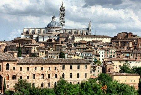 Conoce qué es imprescindible ver y hacer en tu visita turística de Siena en la Toscana de Italia