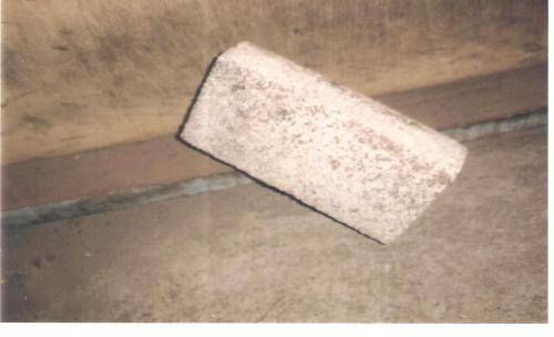 briques refractaires  brique refractaire  les briques réfractaires servent à conserver la chaleur dans les fours. Elles entrent dans la construction des fours simples et industriels.