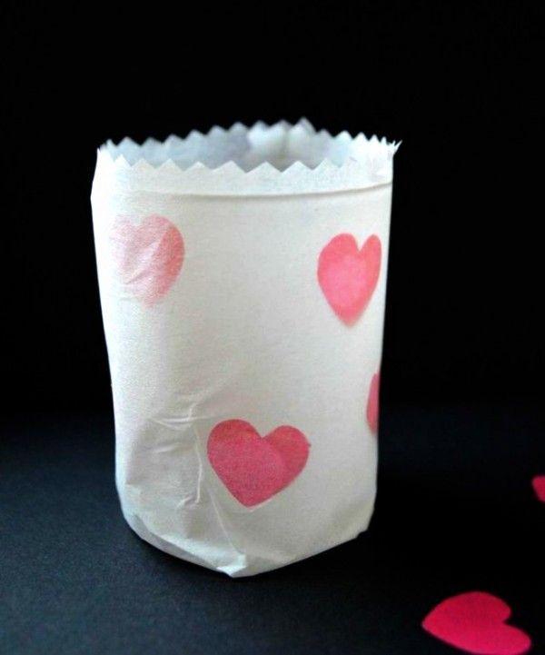 last minute valentinstagsgeschenk basteln mit papier pinterest herzform basteln mit. Black Bedroom Furniture Sets. Home Design Ideas