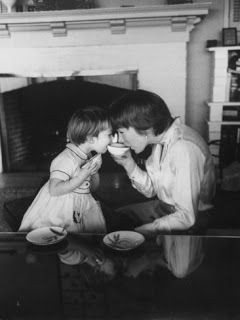 Shirley MacLaine with her daughter Sachi Parker
