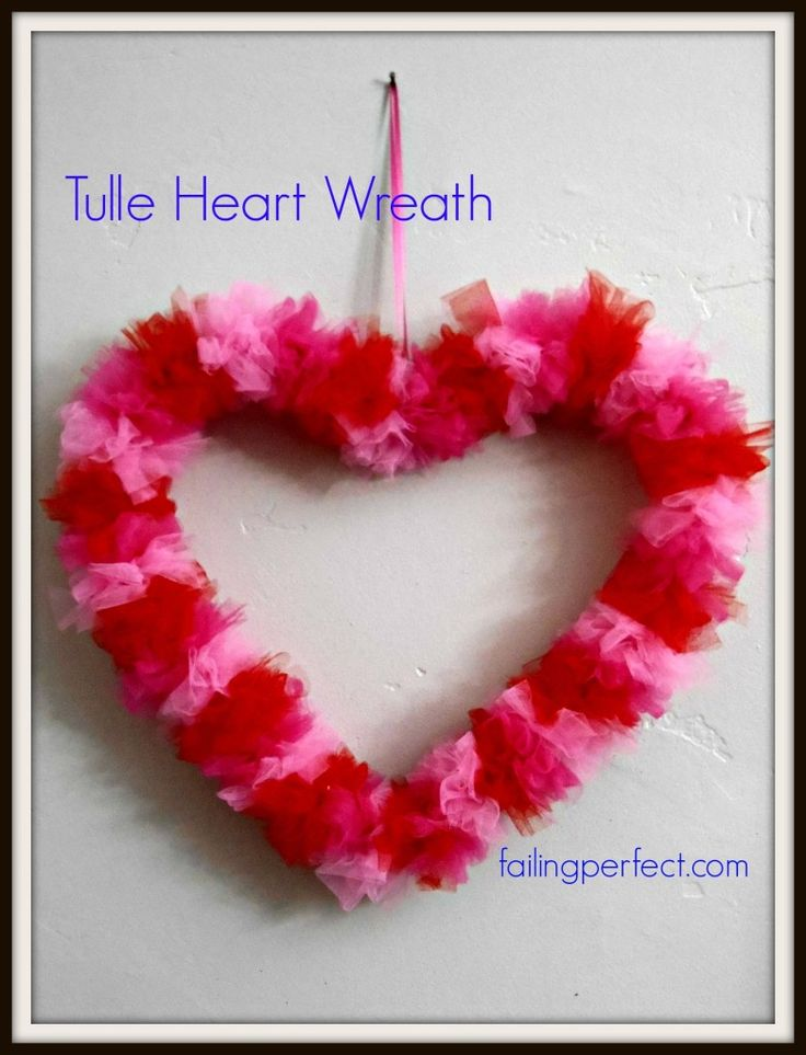 DIY Wire Hanger Tulle Heart Wreath tutorial from http://failingperfect.com