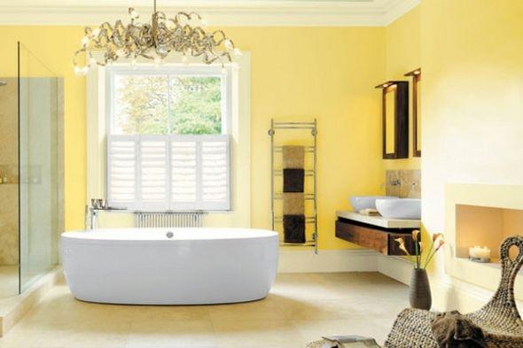 déco de salle de bain en jaune pâle