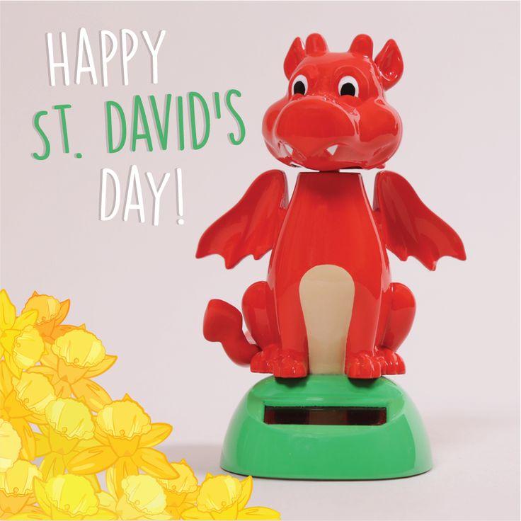 Cada 1 de Marzo los Galeses celebran el día de su Patrón. Este dragón rojo simboliza al de su bandera. #solarpal #stdavid #gales