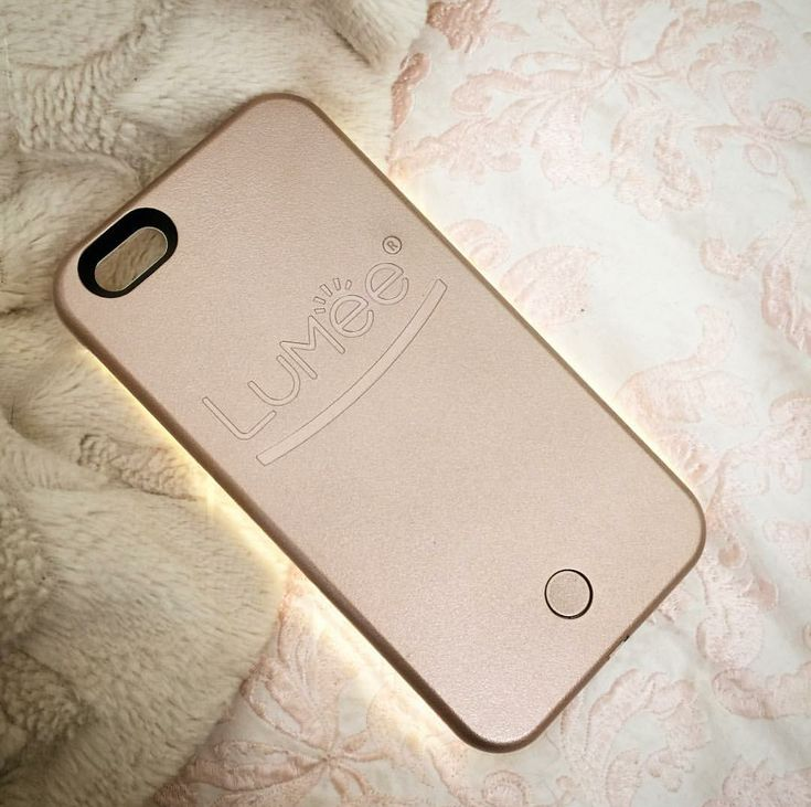 LuMee case in rose gold. Photo credit: carlacassandra, Instagram