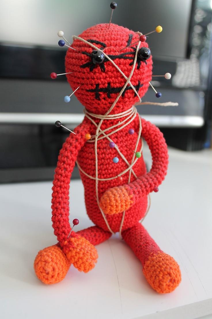 Amigurumi Voodoo Doll : muneco vud?: amigurumi tened cuidado con lo que haceis ...