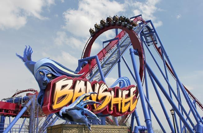 10 Best US Theme Parks for 2014  King's Island Mason, OH  The Midwest's largest amusement and water park, King's Island, boasts an incredible 13 roller coasters and now welcomes its 14th: the towering Banshee, which opened in April. Credited as the world's longest inverted roller coaster, riders fly through 4,124 feet of track at speeds up to 68 mph. With seven, heart-pounding inversions, screams from riders will be heard far and wide.
