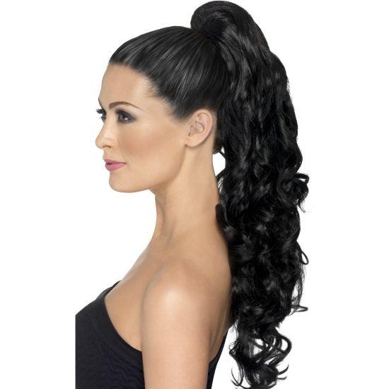 Haarstuk met zwart krullend haar  Hair extensions zwart krullend haar. Zwarte hair extensions op een clip. Deze hair extensions hebben lang krullend haar.  EUR 24.99  Meer informatie