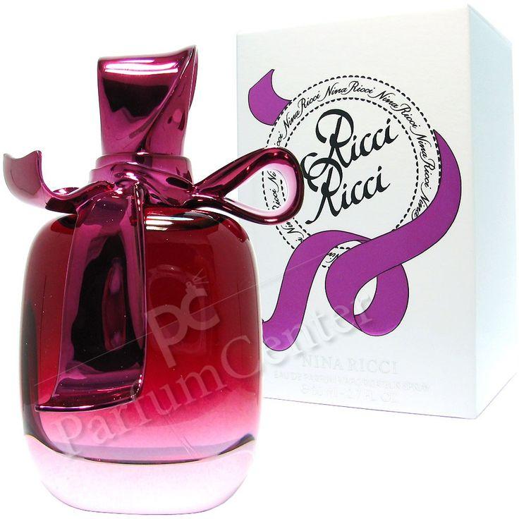 Nina Ricci  Ricci Ricci 80ml eau de parfum sprayRicci Ricci is een sensuele florale geur, gebouwd rond de schoonheid van de maanbloem (Ipomoea alba). Ricci Ricci is gemakkelijk te dragen, vol contrasten en uiterst vrouwelijk. Het is ontworpen voor de optimistische en zelfverzekerde vrouw.Samenstelling:Top :bergamot, rabarberHart :tuberoos, tinctuur van roos, maanbloemBasis:sandelhout, patchouli