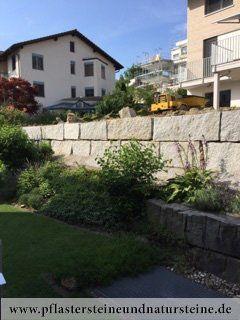 B&M GRANITY - Eine Natursteinmauer kann so individuell sein…Die Mauer aus Naturstein kann traditionell, modern, rustikal, antik usw. sein. Es gibt so viele Varianten…Diesmal… eine Mauer aus Granit (allseitig gespaltene, graue Granit-Mauersteine). http://www.pflastersteineundnatursteine.de/fotogalerie/mauersteine/