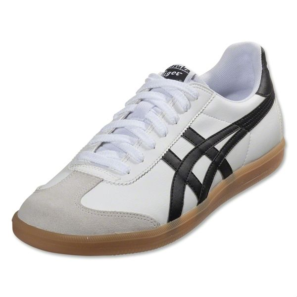 Love the classic and clean look of the Onitsuka Tiger/Asics shoes. These  are. Chaussures ...