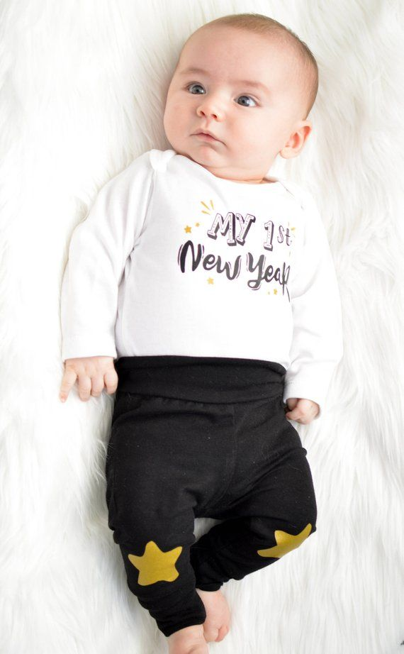 Festive Threads Unisex Baby Babys First New Year T-Shirt Romper Black, 6 Months