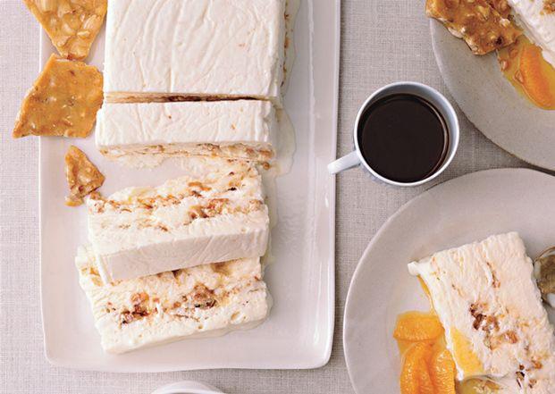 混ぜて固めるだけ♡軽い口当たりのアイス「セミフレッド」を作ろう! - Locari(ロカリ)