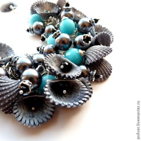 """Купить Браслет """"Черное море"""" - серый, бирюзовый, ракушки, браслет с ракушками, летнее украшение"""