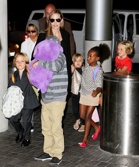 Angelina Jolie and all 6 of her kids!