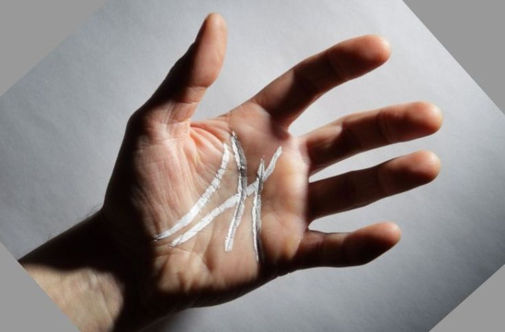 Si vous avez la lettre M sur la paume de la main, alors vous avez un truc de vraiment spécial!Lire dans les lignes de la main est quelque chose qui se