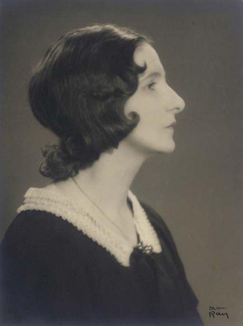 Man Ray - Valentine Hugo (1925)
